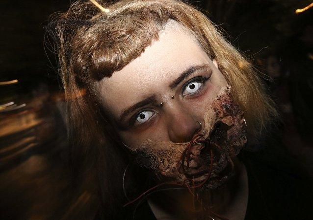 Yunanistan'da zombi yürüyüşü