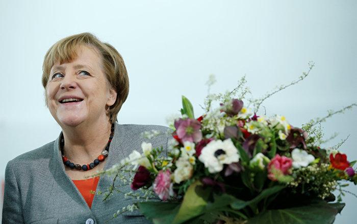 Almanya'dan sığınmacı sorunu ve siyasi belirsizliğe rağmen rekor bütçe fazlası