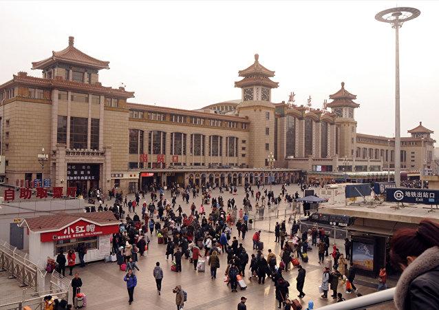 Çin'de Bahar Bayramı'nı (Çuncie) aileleriyle geçirmek için yüz milyonlarca kişi yollara düştü.