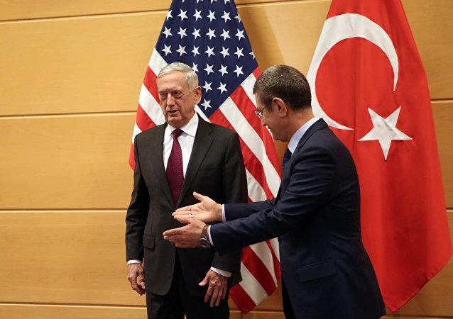Tillerson: ABD, Suriyede yerel güvenlik gücü yetiştirmeye devam edecek
