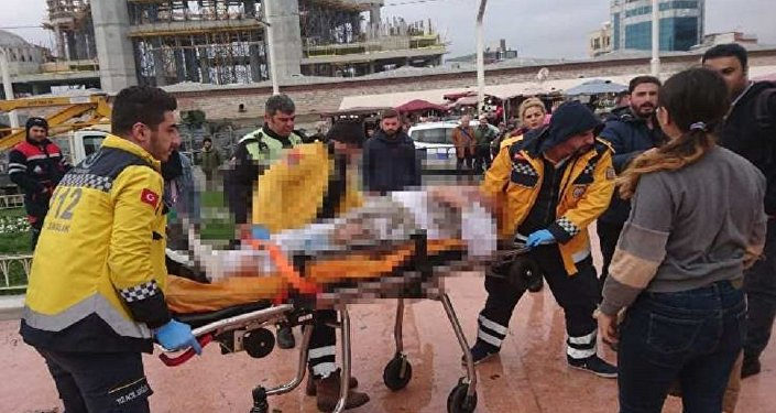 Taksim Meydanı'nda bir kişi kendini yaktı