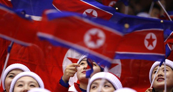 Kuzey Koreli ponpon kızlar