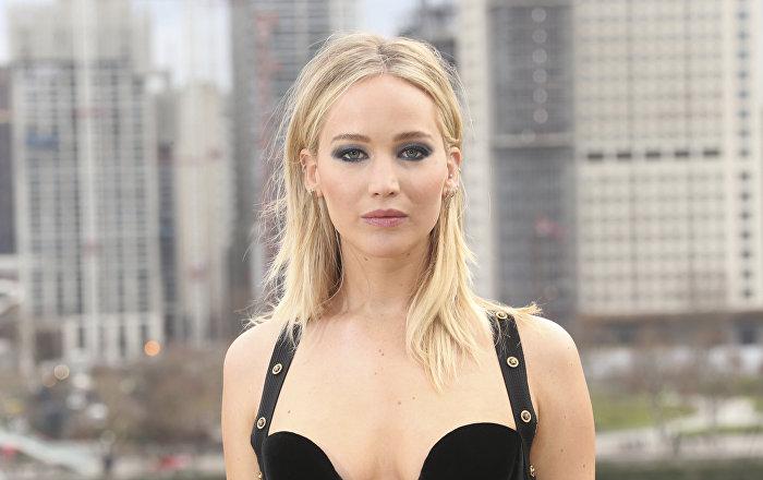 Jennifer Lawrence'dan elbisesini eleştirenlere Bu feminizm değil