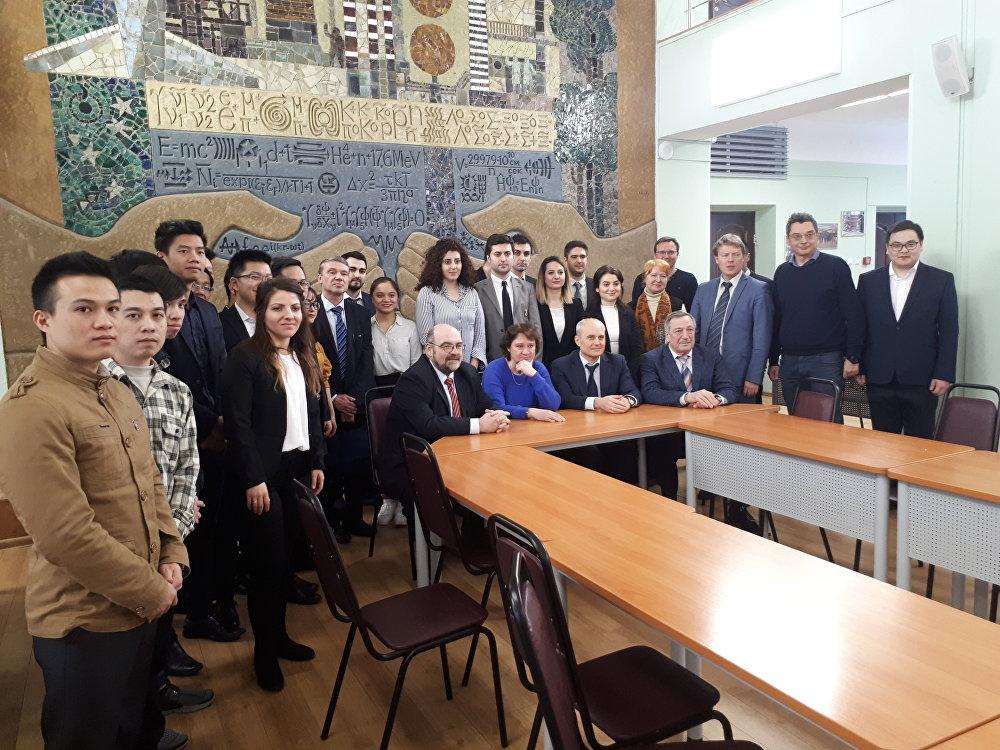 MEPhI'de eğitimi gören öğrenciler