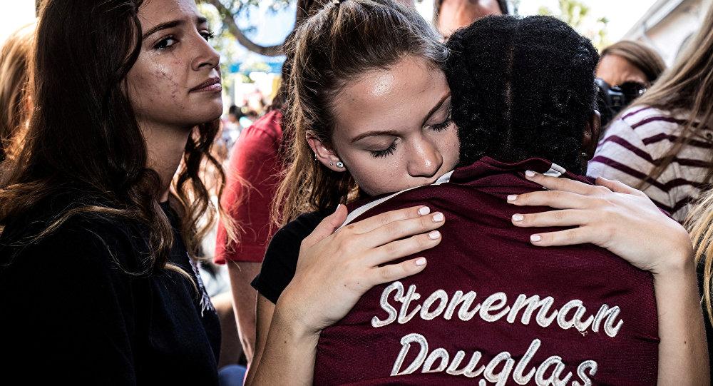 Marjory Stoneman Douglas Lisesi öğrencileri