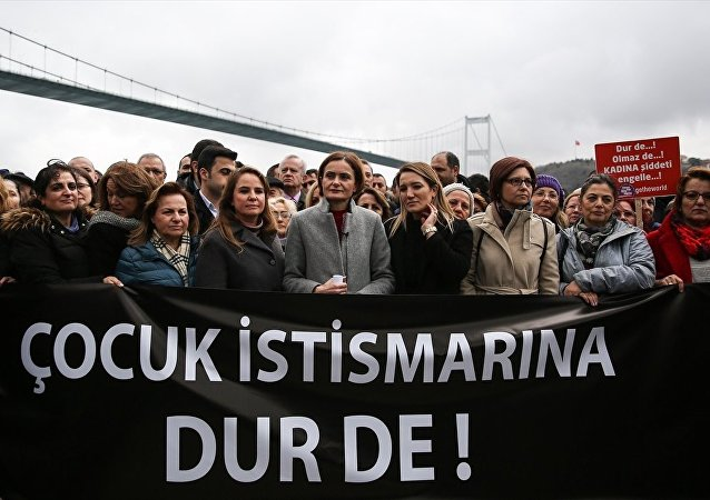 CHP'den 'çocuk istismarına hayır' eylemi