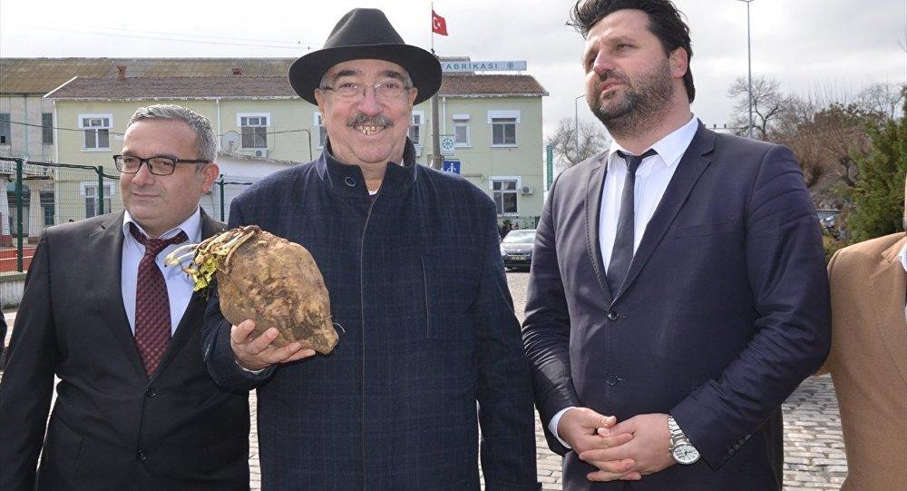 Lüleburgaz Belediye Başkanı Emin Halebak