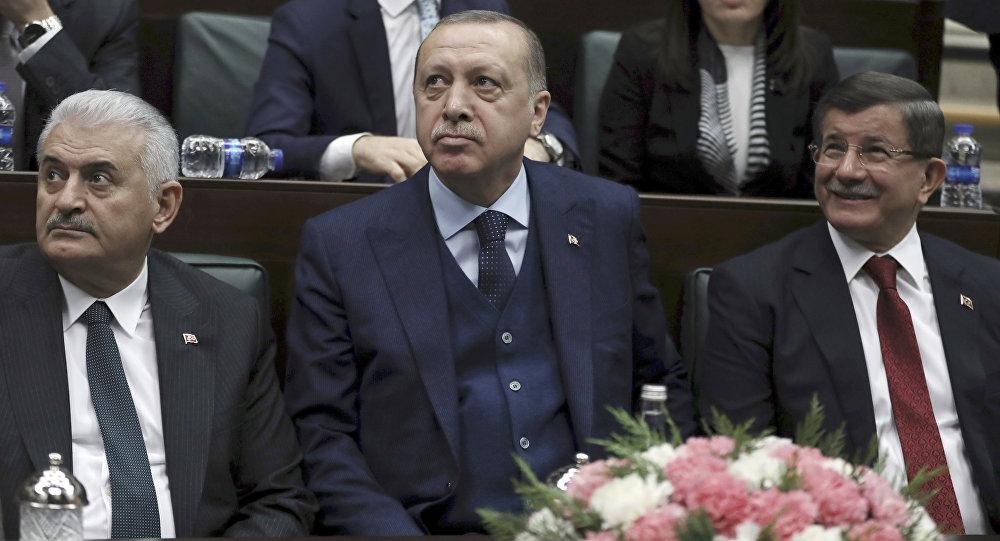 Başbakan Binali Yıldırım- Cumhurbaşkanı Recep Tayyip Erdoğan- Eski Başbakan Ahmet Davutoğlu