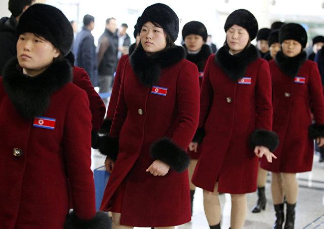 Kuzey Koreli Olimpik atletler PyeongChang Kış Olimpiyatları'nın ardından eve dönüş yolunda