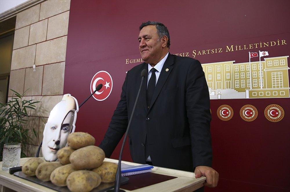 CHP Niğde Milletvekili Ömer Fethi Gürer