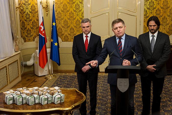 Slovakya Başbakanı Robert Fico gazetecinin katillerini yakalatacak bilgiyi verene 1 milyon euro ödül vereceğini duyurdu