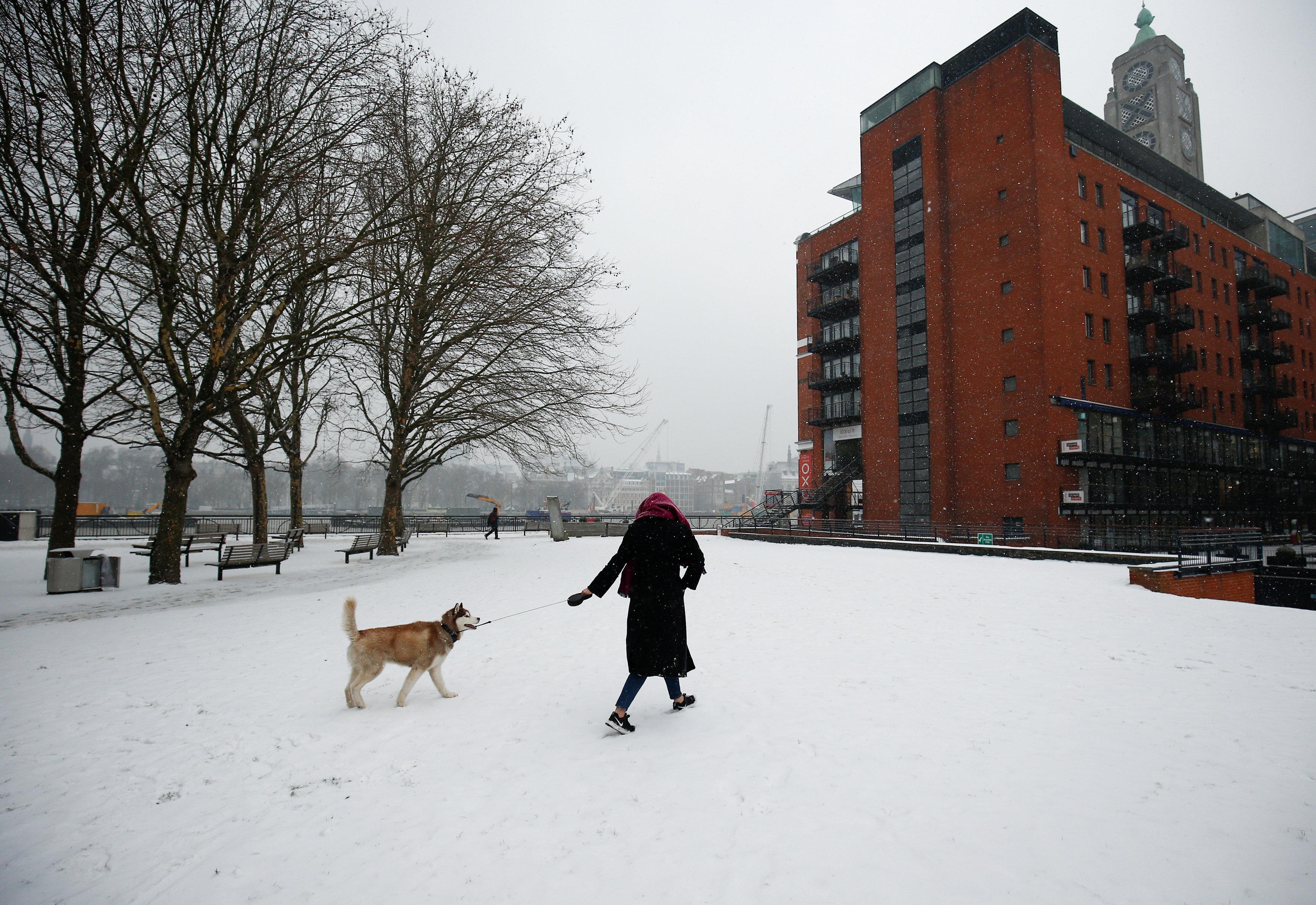 Soğuk hava, İngiltere'yi kontrolü altına aldı.