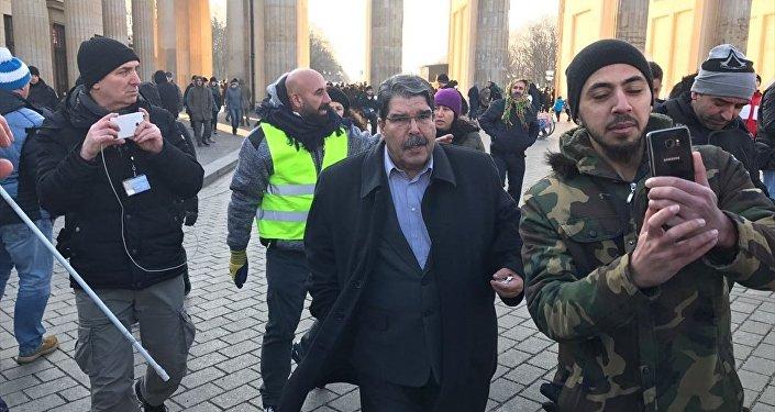 Salih Müslim Berlin'de mitinge katıldı