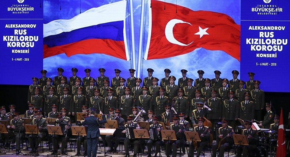 Kızıl Ordu Korosu İstanbul'da konser verdi