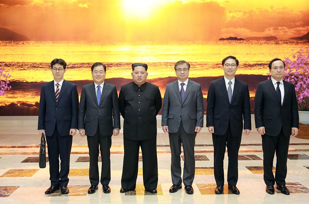 Güney Kore Ulusal Güvenlik Ofisi Başkanı Chung Eui-yong liderliğindeki 10 kişilik heyet Pyongyang'da Kuzey Kore lideri Kim Jong-un ile görüştü.