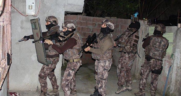 Adana'da ABD konsolosluğuna eylem yapma planındaki IŞİD'lilere operasyon
