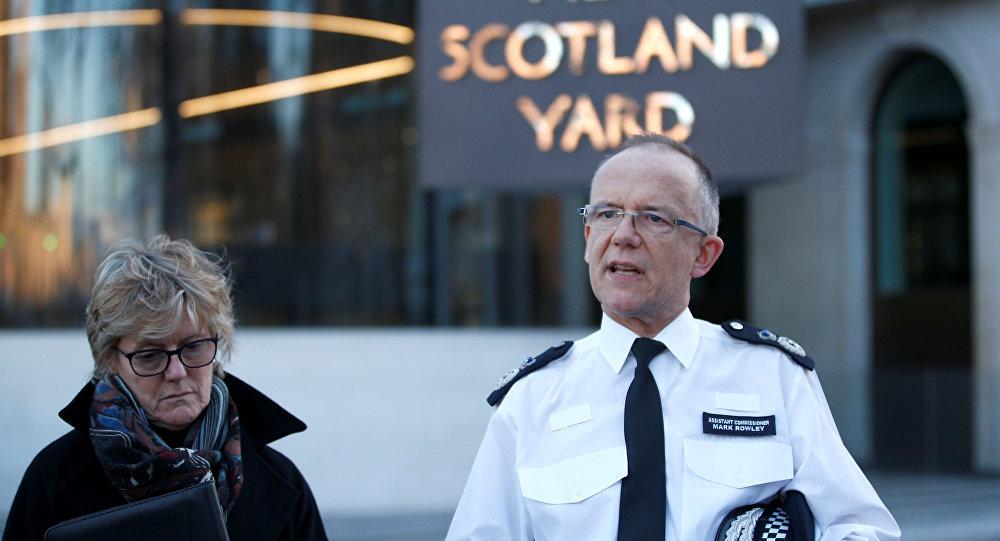Londra Emniyet Müdür Yardımcısı Mark Rowley ile İngiltere Kamu Sağlığı İdaresi Başkanı Dame Sally Davies