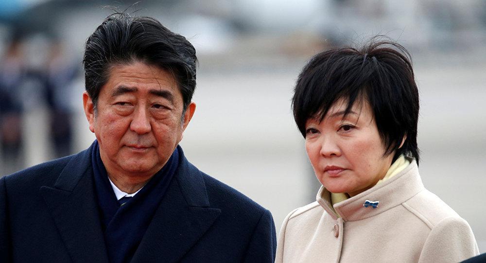 Japonya Başbakanı Şinzo Abe, eşi Akie