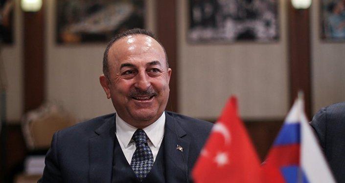 Dışişleri Bakanı Mevlüt Çavuşoğlu, Rus Haber Ajansı (TACC) Genel Müdürü Sergey Mikhaylov'u ziyaret etti. Bakan Çavuşoğlu, ziyaretin ardından Rus basın yayın organlarının temsilcileri ile kahvaltı yaptı.