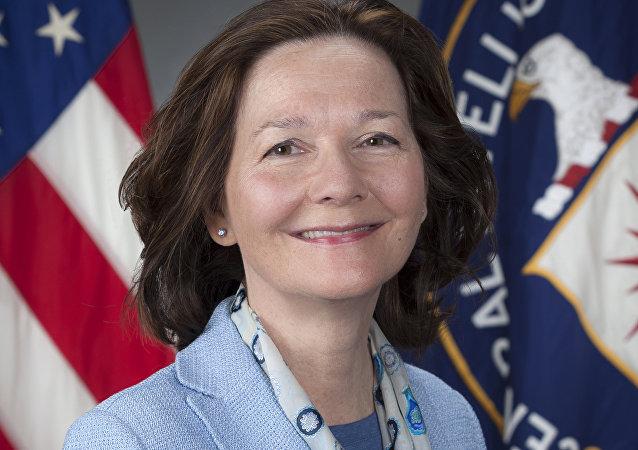 CIA'nın kara deliklerinde esirlere inanılmaz işkenceler yapıp kayıtlarını yok etmesiyle tanınan Gina Haspel, CIA Direktörülüğüne getirilen ilk kadın oldu.