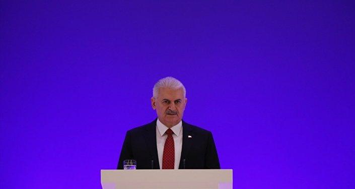 Azerbaycan'da 6. Küresel Bakü Forumu'nda konuşan Binali Yıldırım