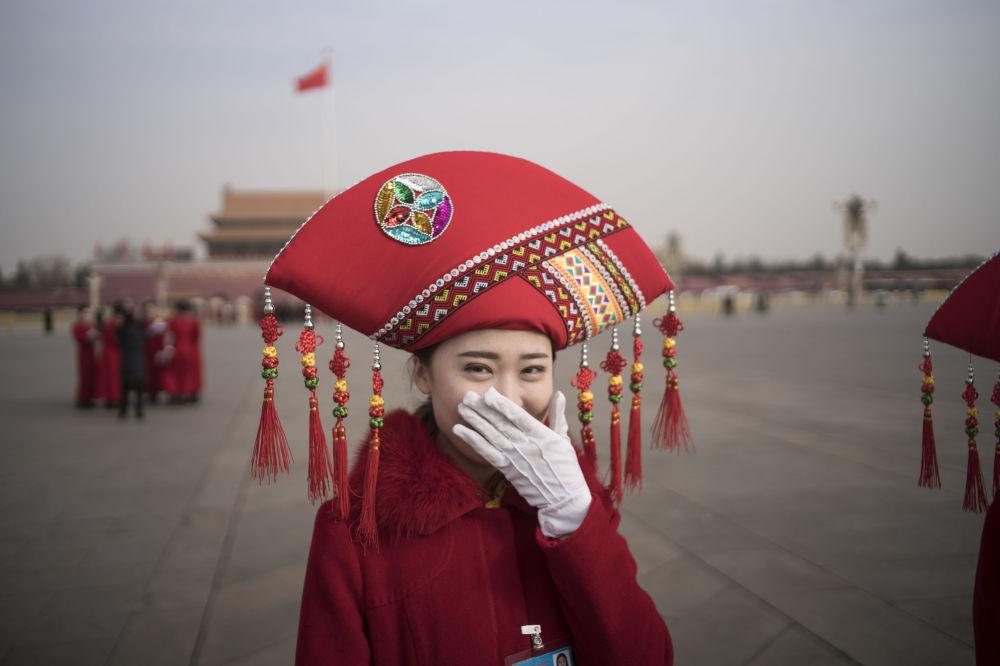 Çin'de misafir karşılama hostesleri