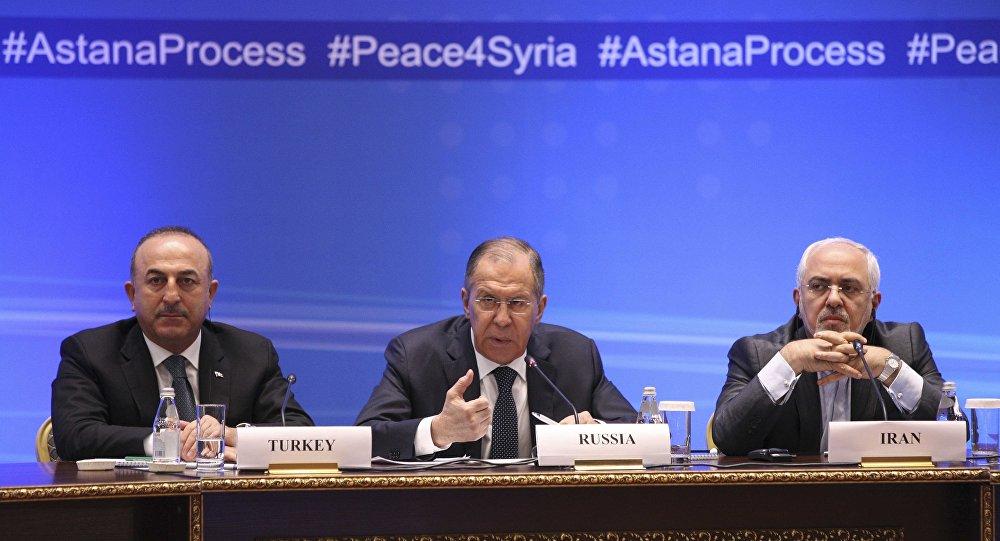 Rusya Dışişleri Bakanı Sergey Lavrov, Türk mevkidaşı Mevlüt Çavuşoğlu ve İranlı mevkidaşı Muhammed Cevad Zarif