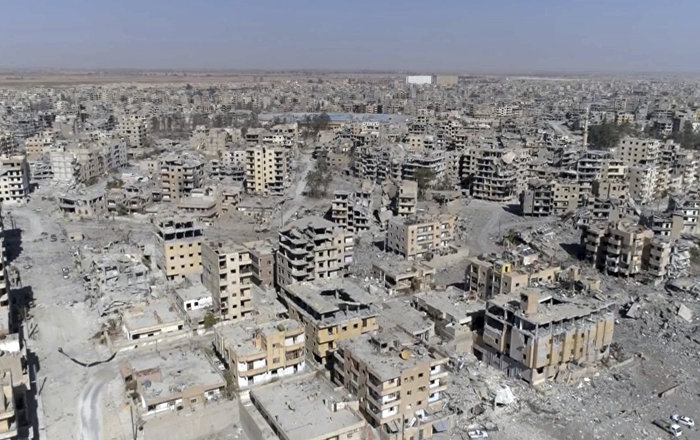 Suudi Arabistan, İŞİD'den temizlenen Rakka'nın yenilenmesi için 100 milyon dolar verdi