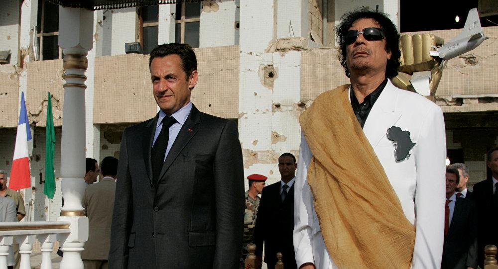Nicolas Sarkozy- Muammer Kaddafi
