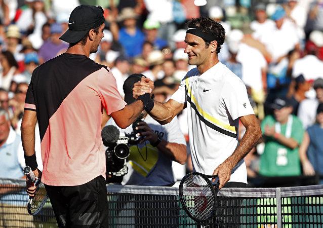 Thanasi Kokkinakis- Roger Federer