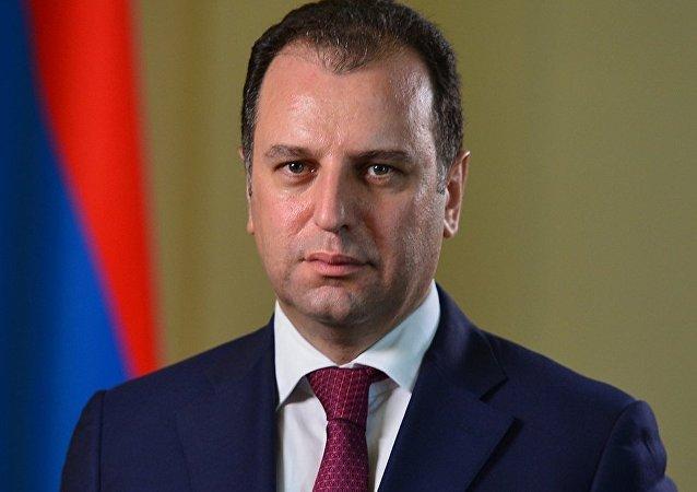 Ermenistan Savunma Bakanı Vigen Sarkisyan