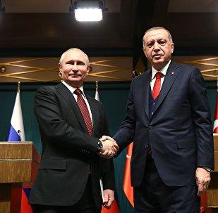 Cumhurbaşkanı Recep Tayyip Erdoğan, Cumhurbaşkanlığı Külliyesi'nde Rusya Devlet Başkanı Vladimir Putin ile baş başa ve heyetler arası görüşme geçekleştirdi
