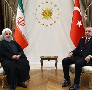 Cumhurbaşkanı Recep Tayyip Erdoğan ile İran Cumhurbaşkanı Hasan Ruhani, Cumhurbaşkanlığı Külliyesi'nde bir araya geldi.