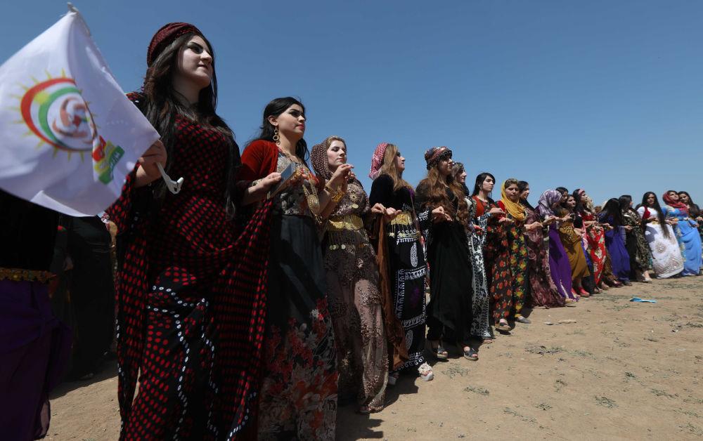 Irak'taki Kürt kültür festivalinden renkli kareler