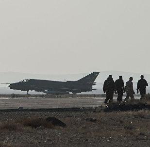 Suriye savaş uçağını İsrail düşürdü, IŞİD sevinip enkazın görüntülerini yayımladı