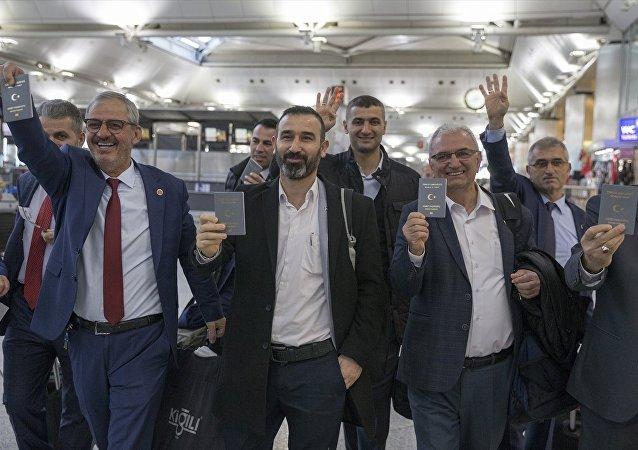 İçişleri Bakanlığı, Erdoğan'ın talimatı üzerine 50 muhtarı İspanya'ya götürdü