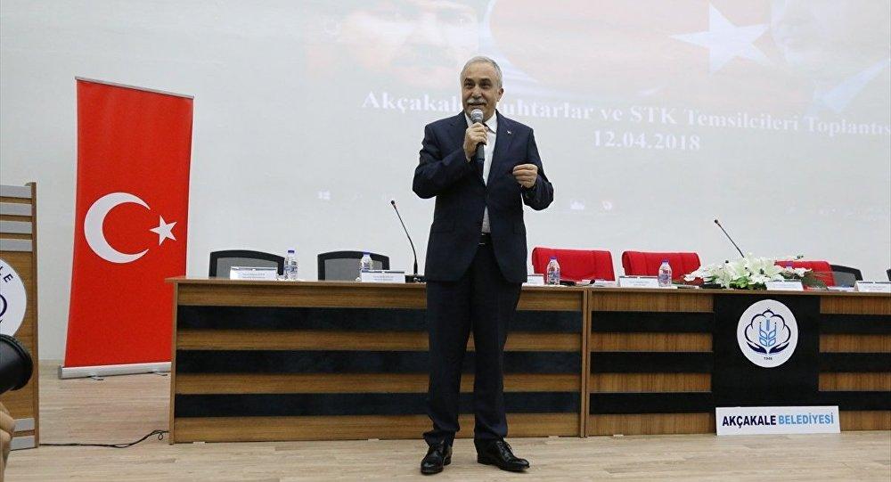 Bakan Ahmet Eşref Fakıbaba