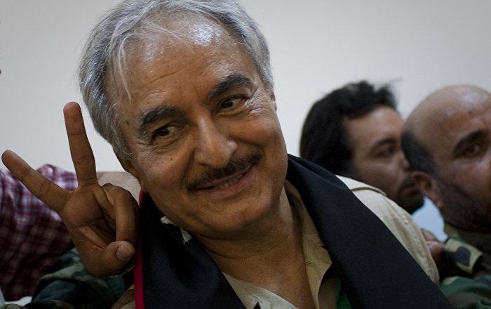 Öldüğü iddia edilen General Hafter Mısır'dan Libya'ya döndü