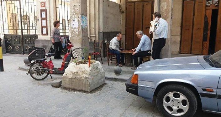 Saldırı sonrası Şam'da günlük hayat olağan seyrinde