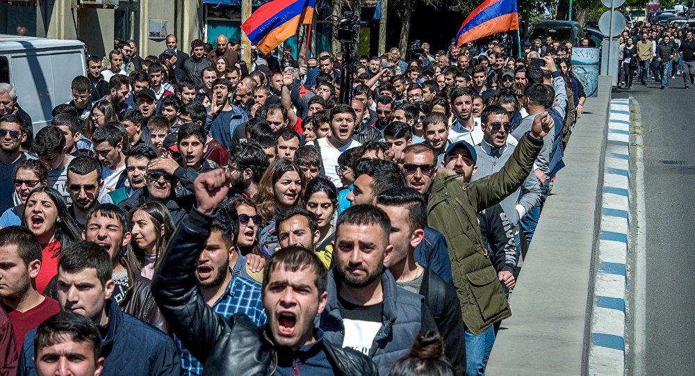 Ermenistan'da Sarkisyan karşıtı eylem