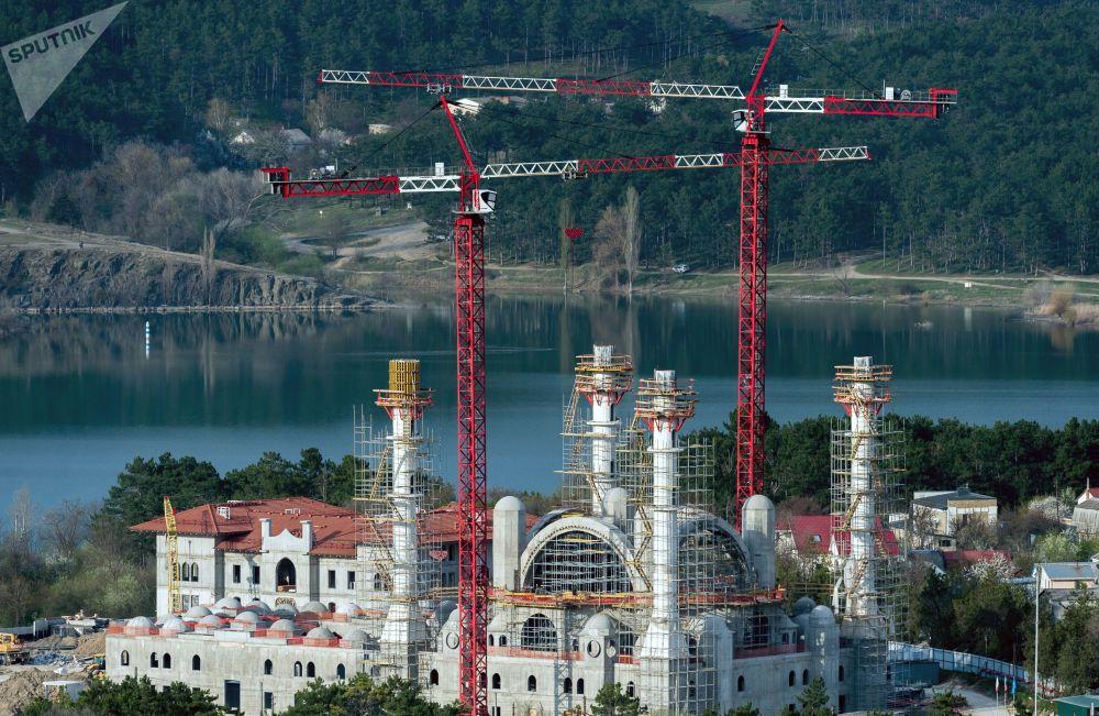 Simferopol'de Cuma Camii inşaatı