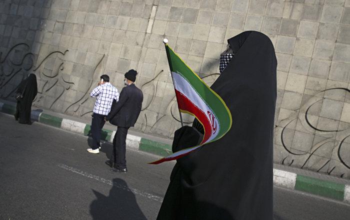 İran'da genç erkek ve kadınların kamuya açık dansı nedeniyle Kültür Bakanlığı yetkilisi tutuklandı