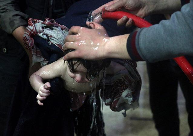 Duma'da kimyasal saldırı provokasyonu videosu