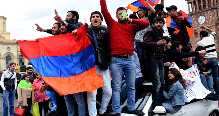 Ermenistan, Erivan, Sarkisyan'a karşı protesto, 20 Nisan 2018