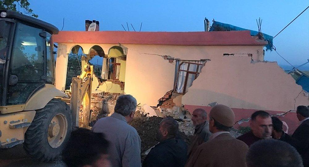 Adıyaman'da 5.1 büyüklüğünde deprem: 13 yaralı