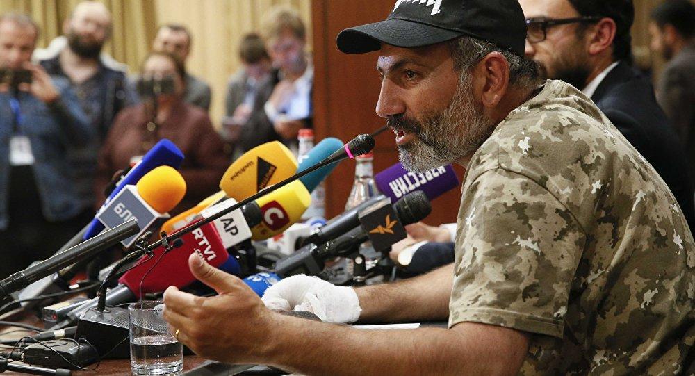 Ermenistan'daki protesto harekatının lideri Nikol Paşinyan