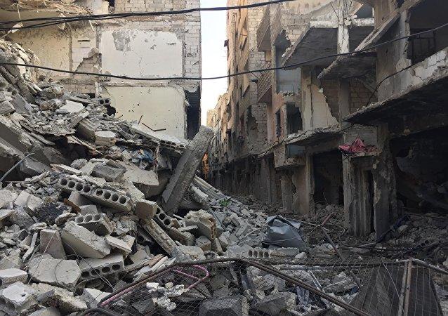 Yermuk kampı ve çevresindeki yerleşimlerin IŞİD'den temizleme operasyonu devam ediyor.