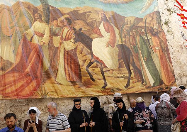 Kudüs'teki Kutsal Kabir Kilisesi'nde Ortodoks Paskalyası