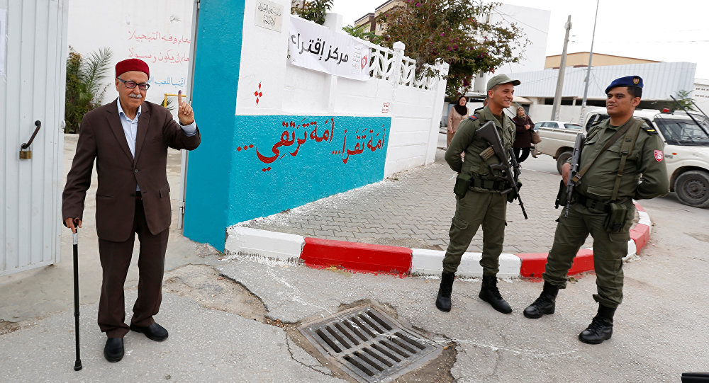 Tunus'un başkenti Tunus'ta bir seçmen
