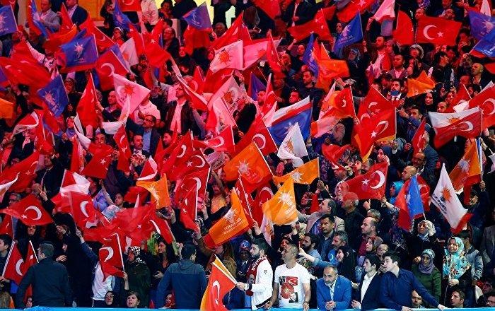 AK Parti'de aday tartışması: İlçe teşkilatı topluca istifa etti